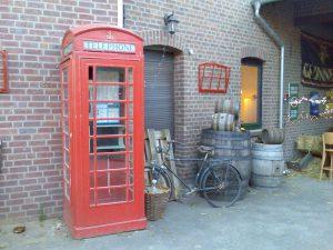 die original englische Telefonzelle der Barrensteiner Whiskybar